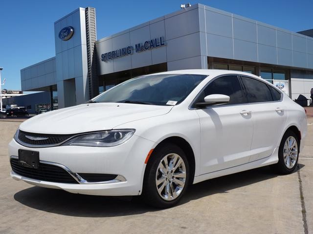 Chrysler 200 Limited >> Pre Owned 2016 Chrysler 200 Front Wheel Drive Limited In League City