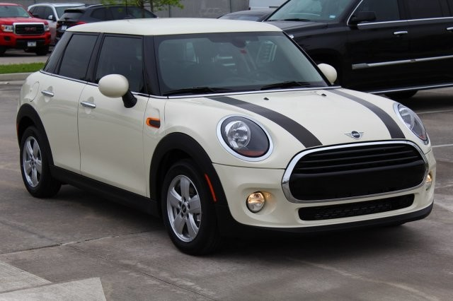 New 2019 MINI Cooper Hardtop 4 Door Front Wheel Drive Classic