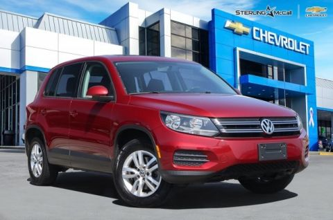 Pre-Owned 2013 Volkswagen Tiguan S w/Sunroof